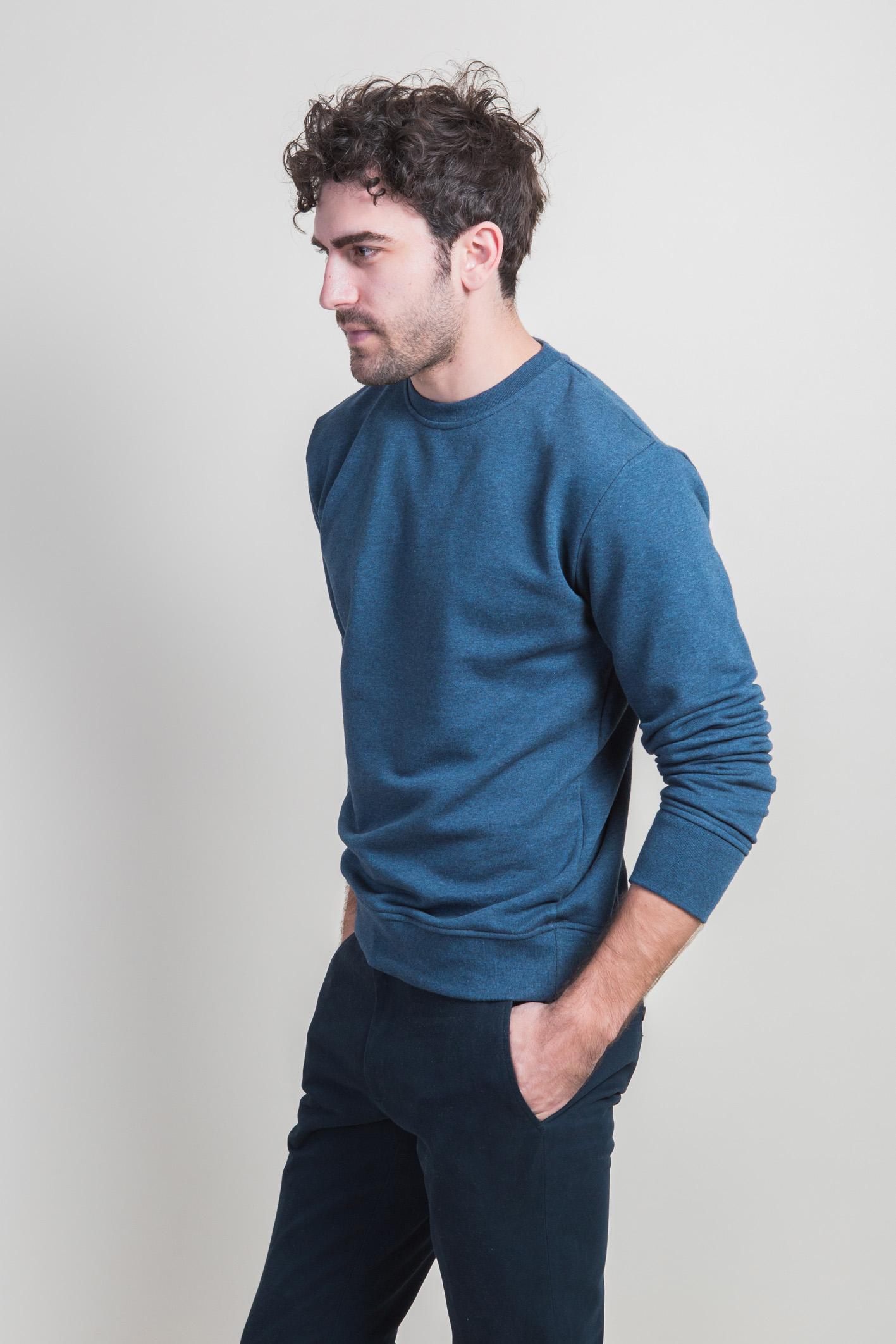 Sweatshirt bleu côté