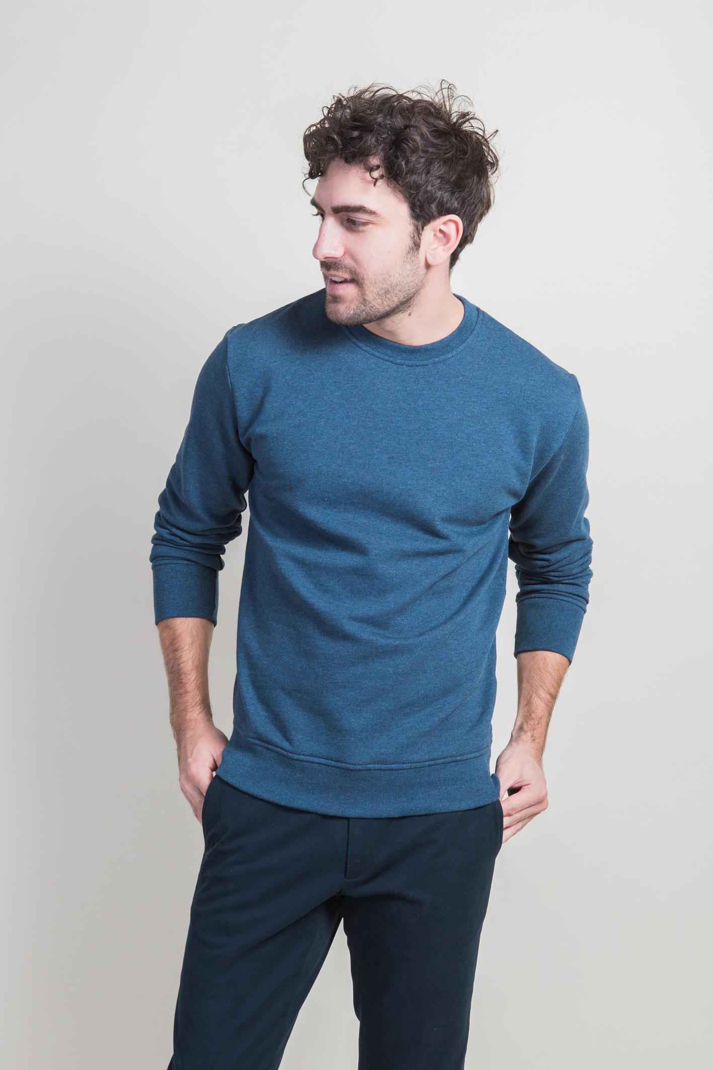 Sweatshirt bleu face 5