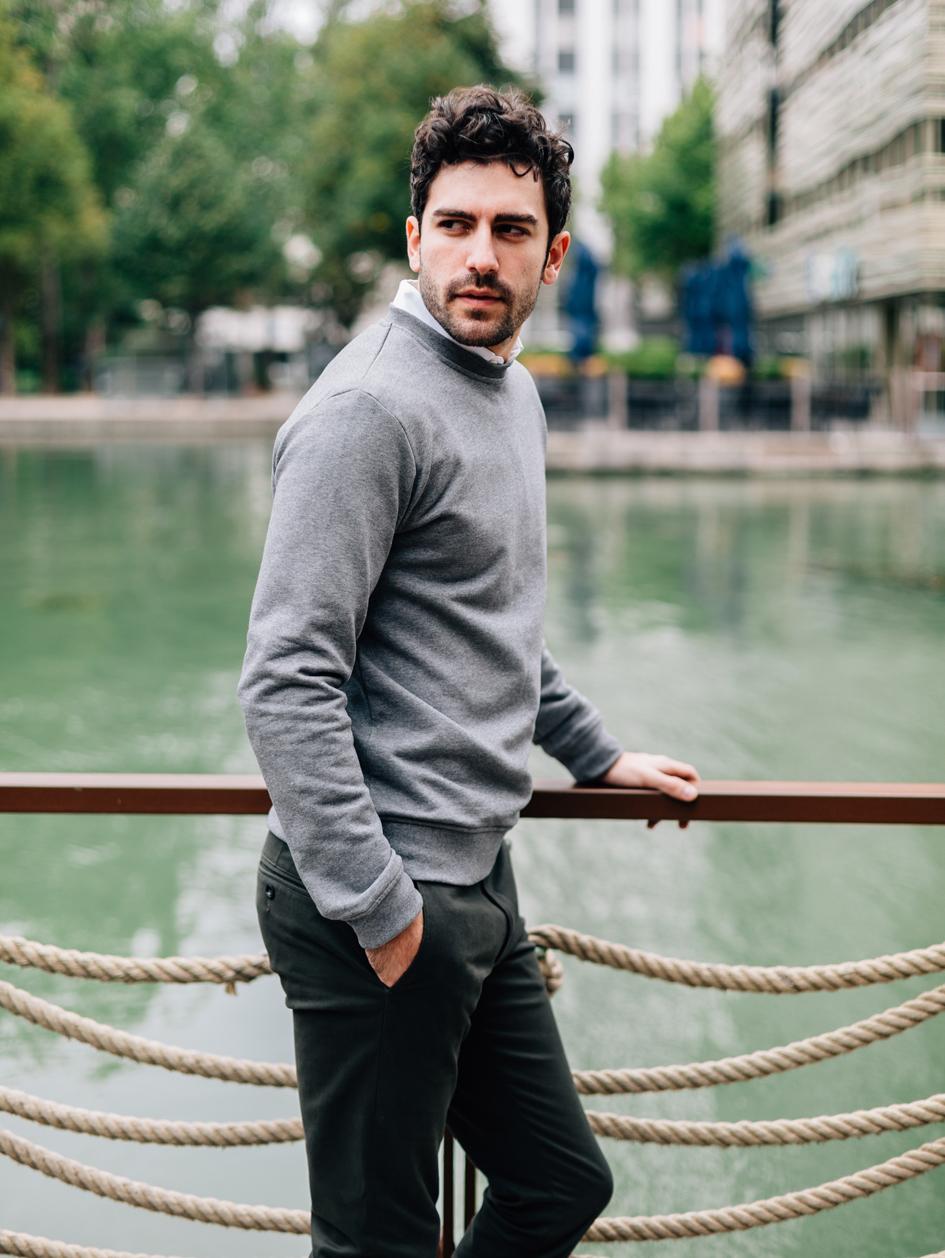 Lifestyle sweatshirt gris côté