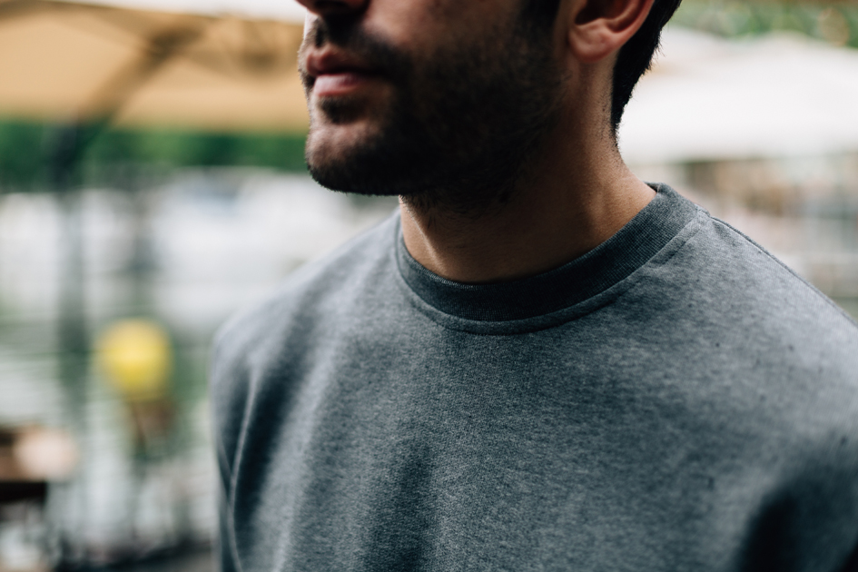 Zoom Col sweatshirt gris lifestyle