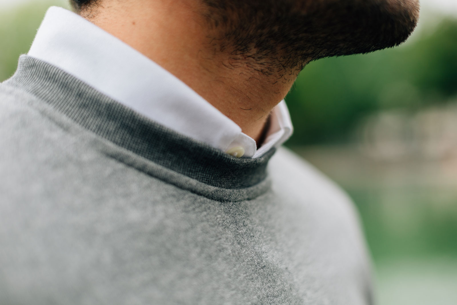 Zoom Sweatshirt gris et chemise oxford blanc