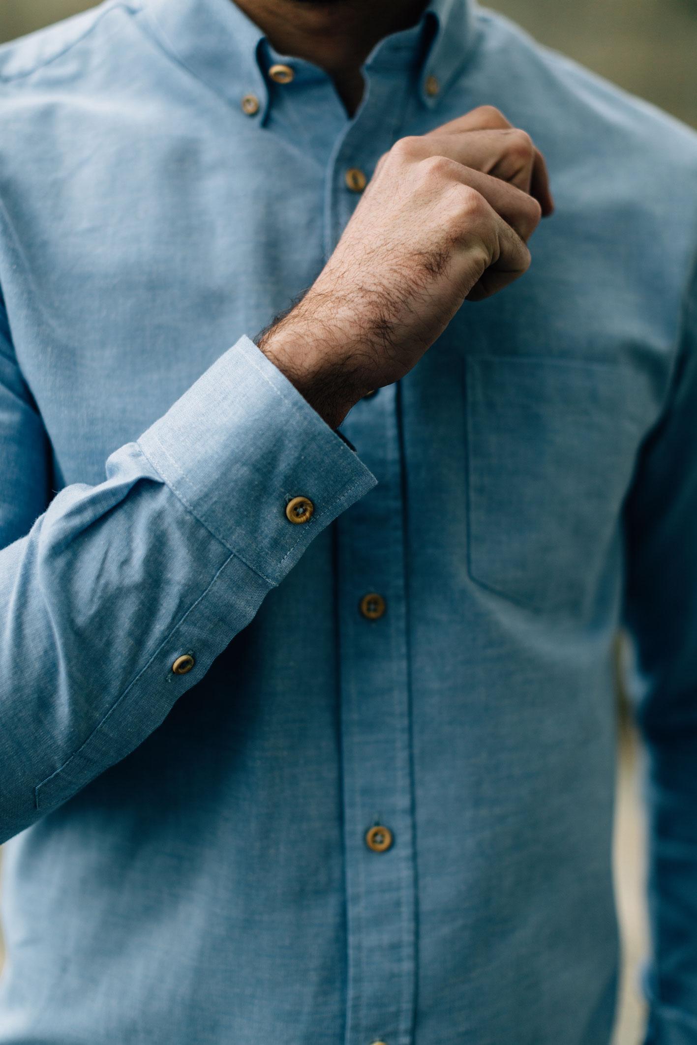 Enzo Oxford bleu pastel boutons bois manche