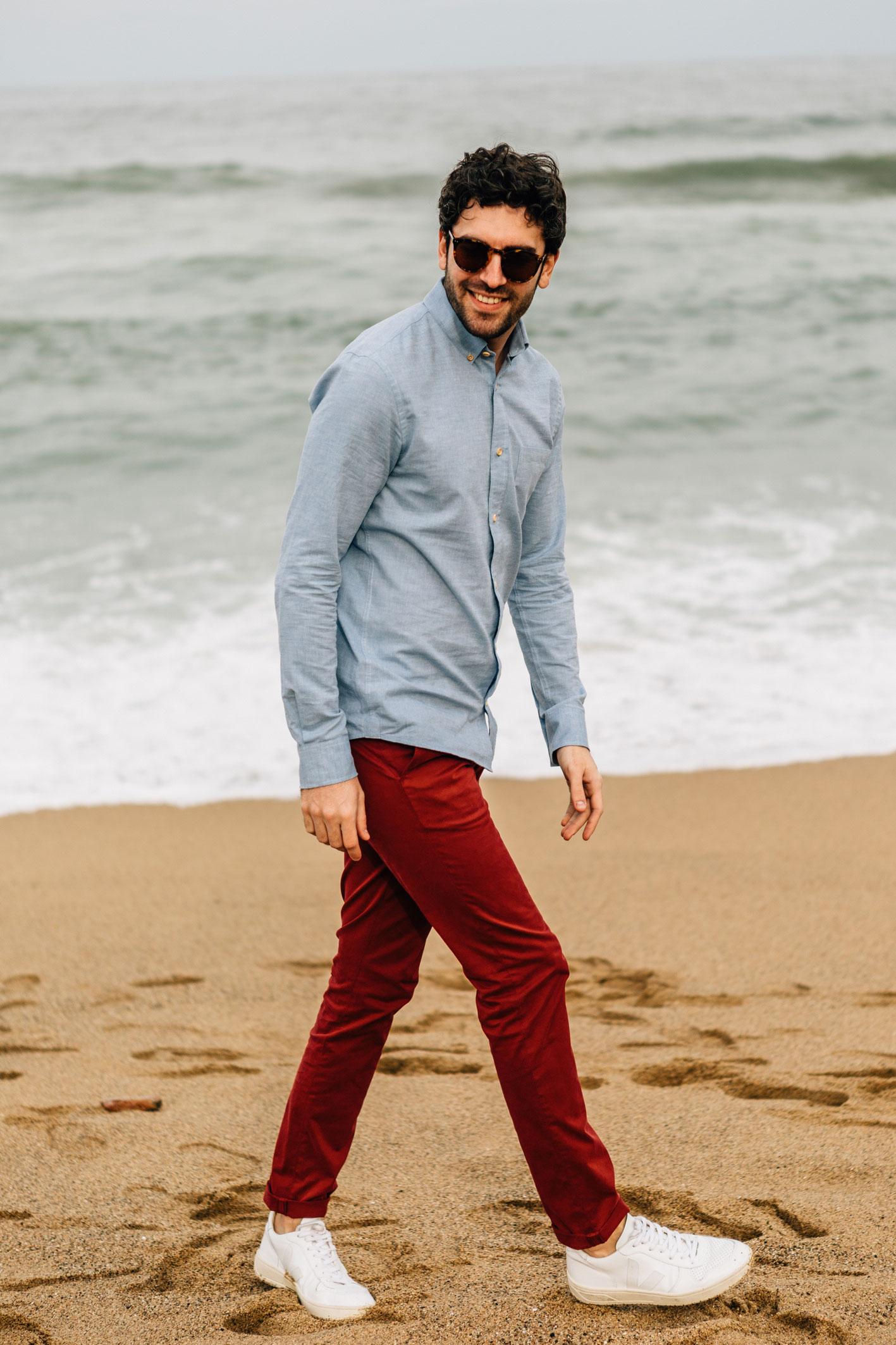 Chino rouge piment chemise oxford bleu