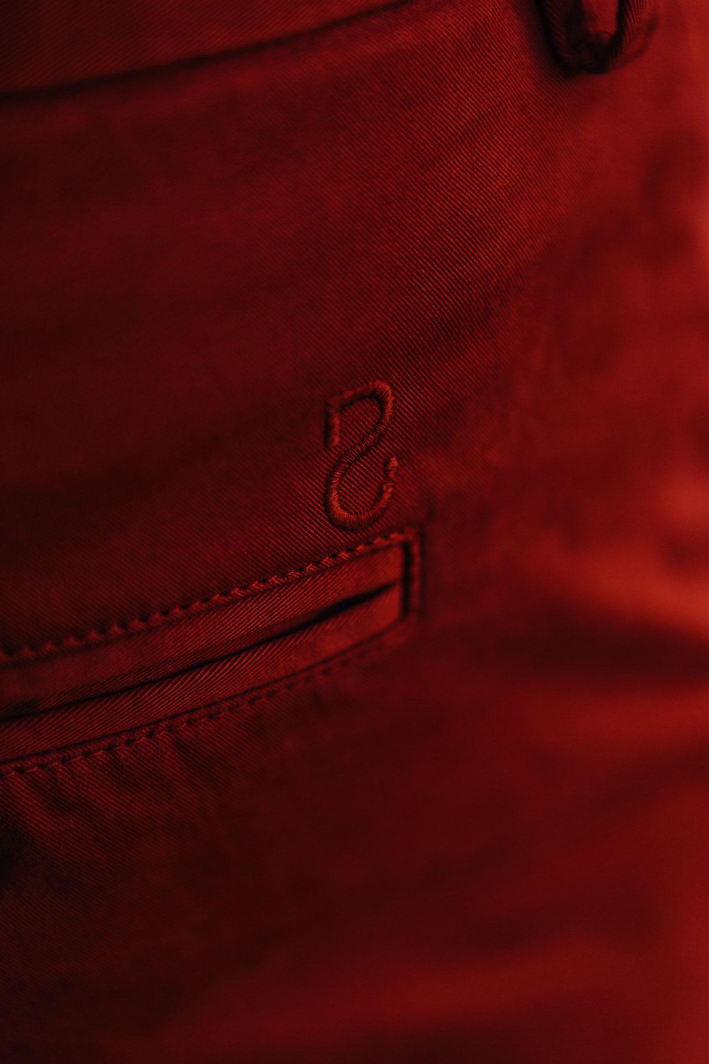 Chino rouge piment sigle