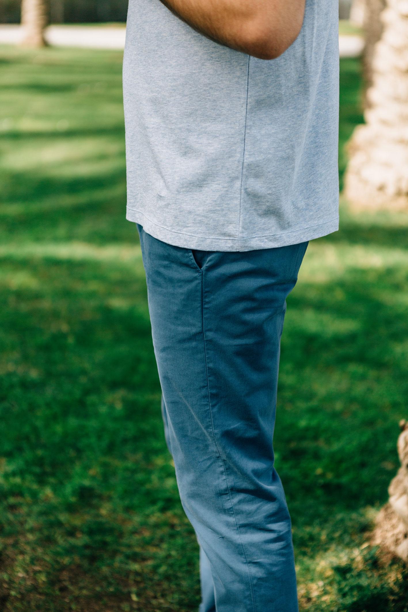 Chino bleu canard côté