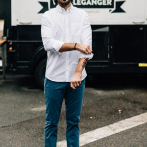 Chino bleu canard chemise blanche