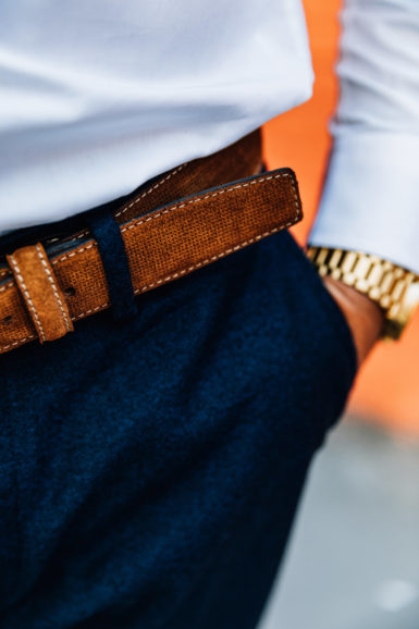 Ceinture Nubuck Juan Marron close-up languette